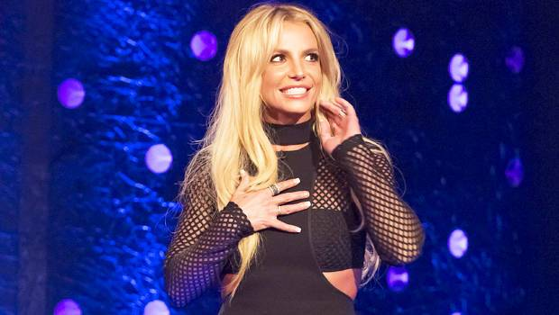 New Video Porn: Britney Spears busty showing big cleavage